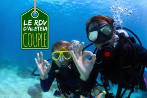 web-divers-ok-sign-under-water-dudarev-mikhailshutterstock1